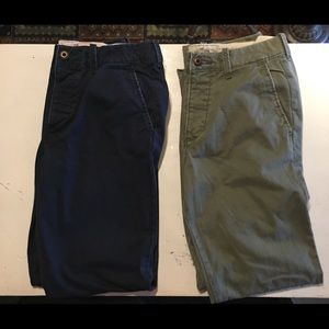 Set of two men's Hollister 31x32 pants